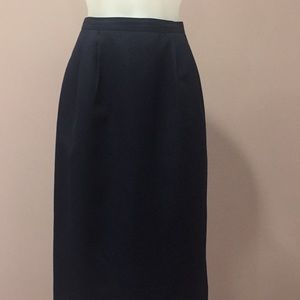"""Dresses & Skirts - Pencil Skirt 26.5"""" in Length w/ Pockets Size 8"""